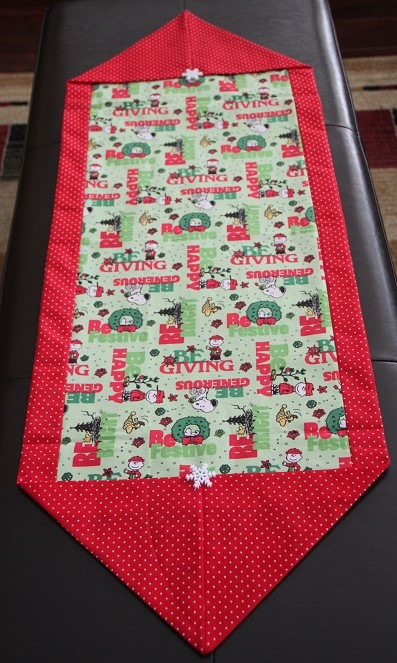 Peanuts Happy Holidays Table Runner